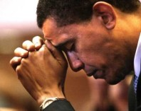 Barack-Obama-praying