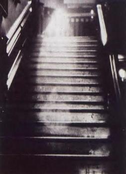 fantome-dans-une-maison