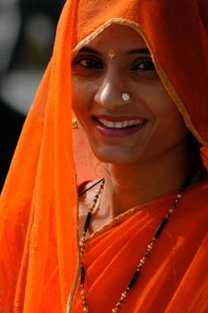 femme-portant-le-sari