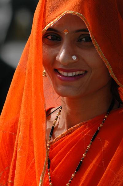 femme-portant-le-sari.jpg