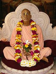murti-de-Prabhupada-a-Vrndavana