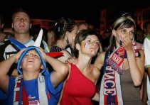 Tristesse-des-supporters-vaincus