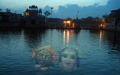 Radha-Kund-Shyam-Kunda_1