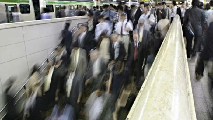 tokyo-heure-pointe-metro-japon-foule