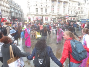 london_harinama_dancing2